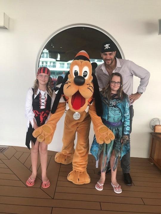 Zach Scheidt et ses filles Disney croisière