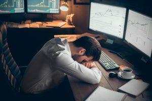 jeune trader conseil investissement marché boursier